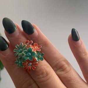 Beautiful flower shaped enamel statement ring